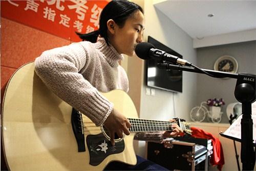 兰州零兰州学吉他声乐要多少钱