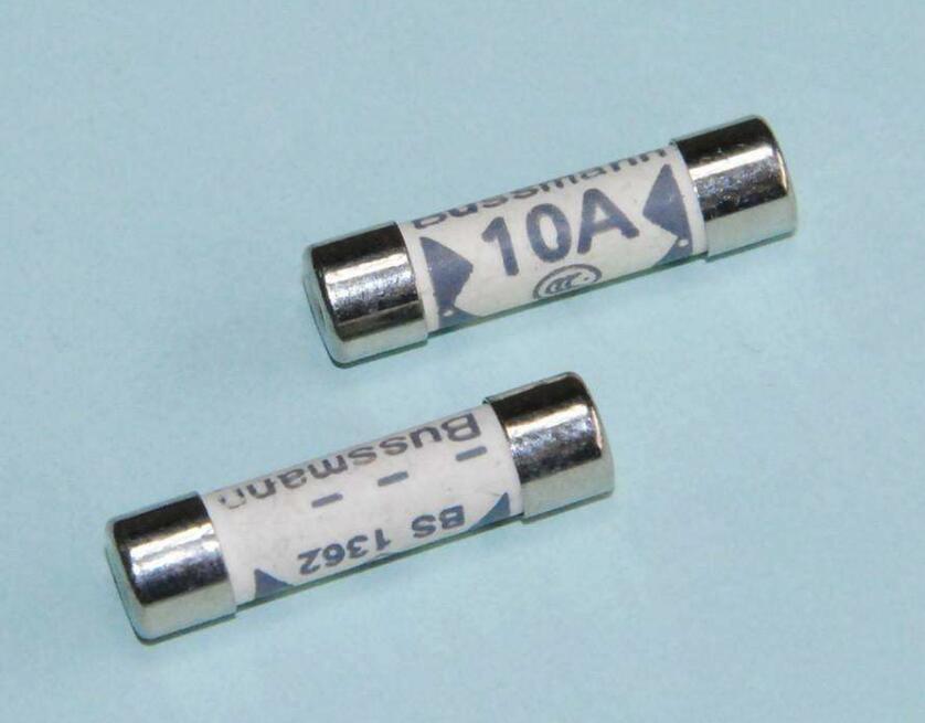 英式插头保险丝电流与电压