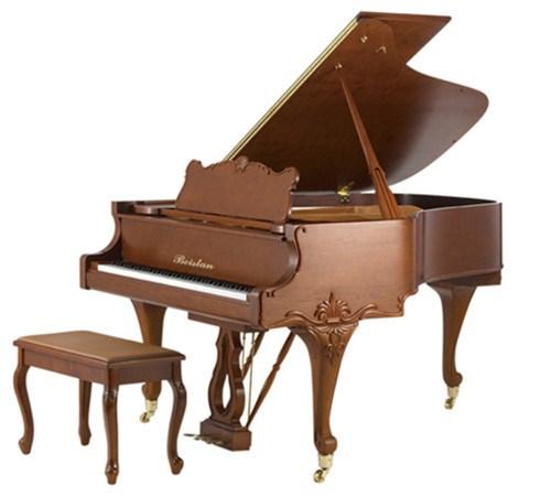 复古式演奏钢琴