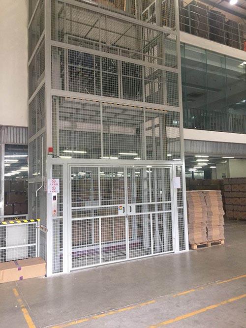 江苏优质导轨式升降平台供应厂家 托普供应