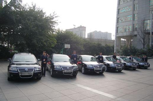乌鲁木齐包车要多少钱 信誉保证 乌鲁木齐首选吉祥搬迁服务供应