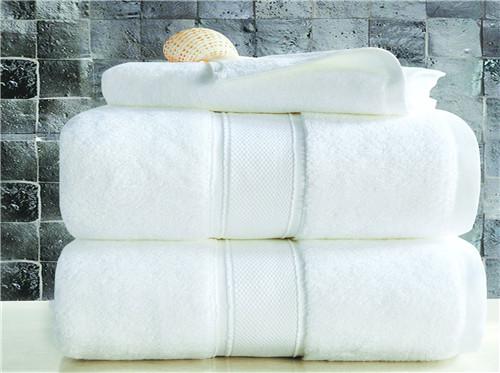 南通酒店被子报价 客户至上 南通德尔馨纺织品供应