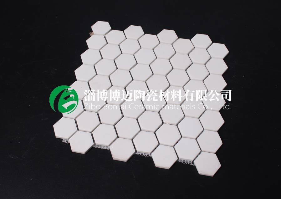 云南排灰管道耐磨陶瓷襯板定制 承諾守信 淄博博邁陶瓷材料供應