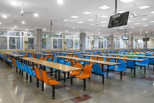 岱山正规食堂承包托管方 口碑推荐「宁波佰宏餐饮管理供应」