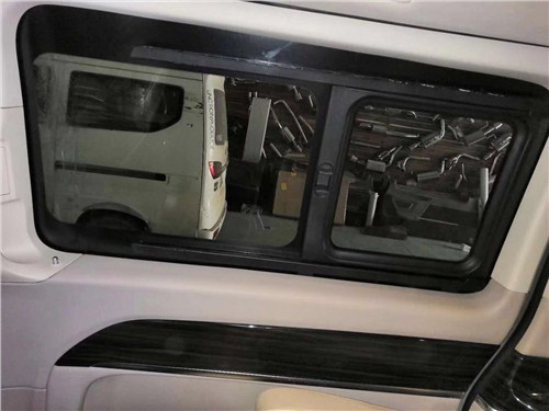 商务车房车侧滑窗改装配件(小窗户改装)