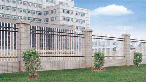 金昌铁艺护栏的样式种类 兰州锌钢护栏搭建时主要特点分析 晋腾官网
