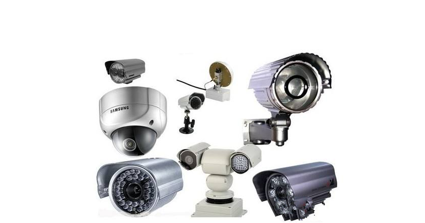 摄像机的位置需求   对于监控摄像机来说,所处位置的好坏直接关系着设备的成像效果。因此,不少用户将监控的效果视为监控摄像机安装位置的首要参考。不过,他们却忽视了十分重要的一点:监控摄像机并非万neng,在安装位置的选择上,它同样有着自己的要求。   首先就是在安装的位置上,为了能够使摄像机避免周围环境的干扰,实现一个更佳的拍照和生存效果。在室内环境安装时,我们要尽可能的保证设备的高度不低于2.