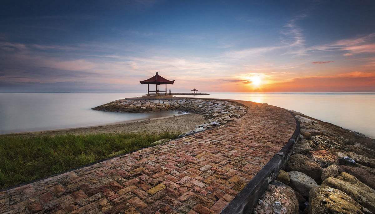 巴厘岛英文名bali island),位于印度尼西亚.