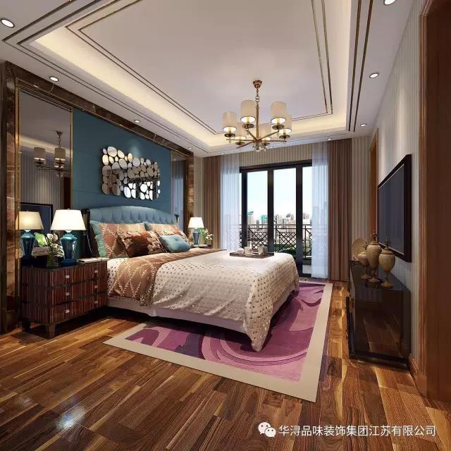 港式风格的时尚,雅致,软包床头,镜面拼凑而成的背景墙,金属边框吊顶及