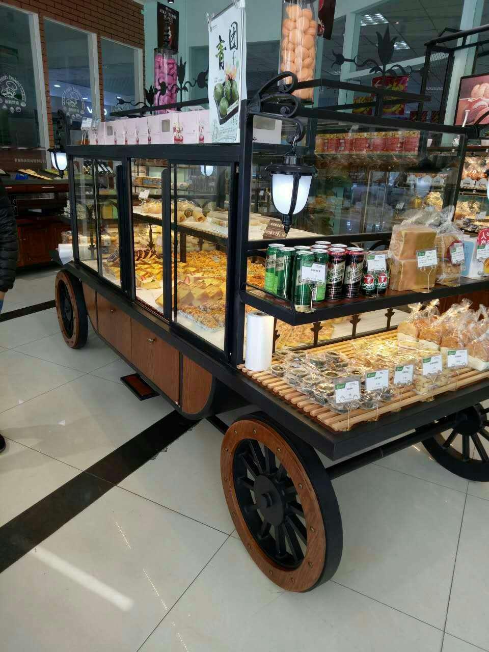 面包柜台定做新款面包柜订购面包陈列柜台订做上海萧昌供图片
