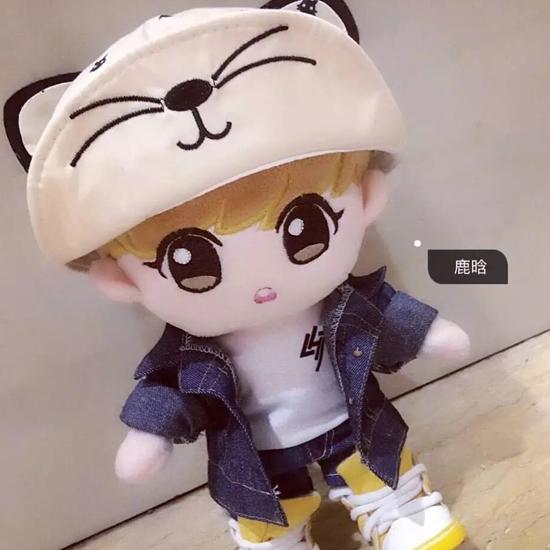 创意可爱卡通男生娃娃 毛绒玩具站姿偶像鹿晗公仔 深圳