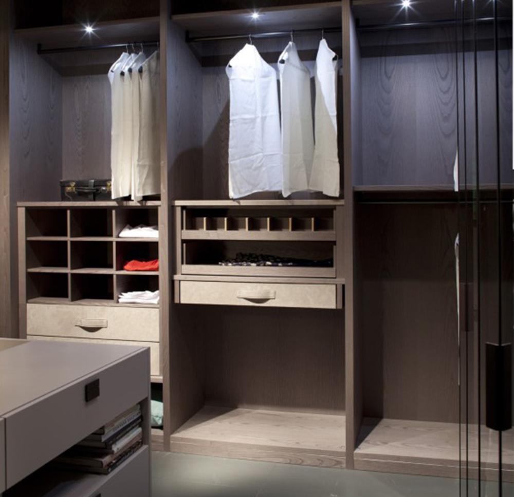 吉家好家  定制衣柜可以根据客户的个性化需求而设计的,衣柜的内部