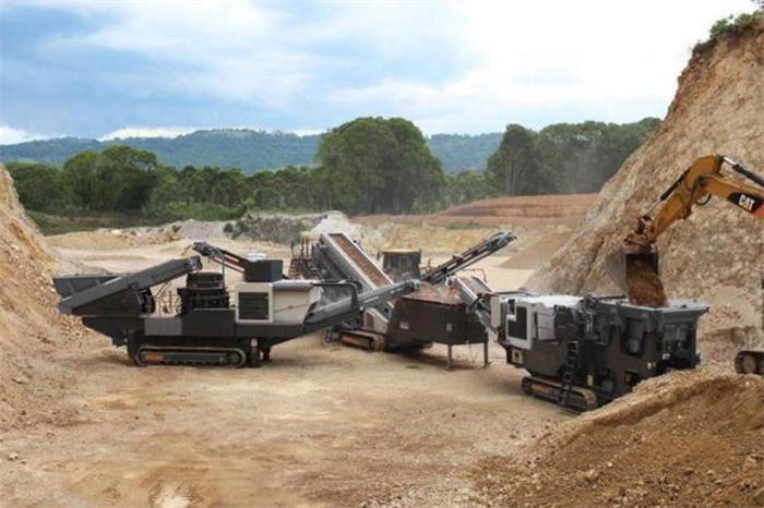 移动破碎站 奥朝机械 有效解决钢筋混凝土分离难题