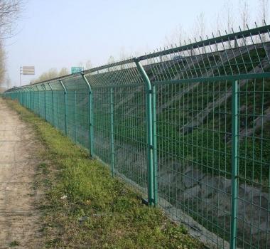 高速公路护栏2.jpg