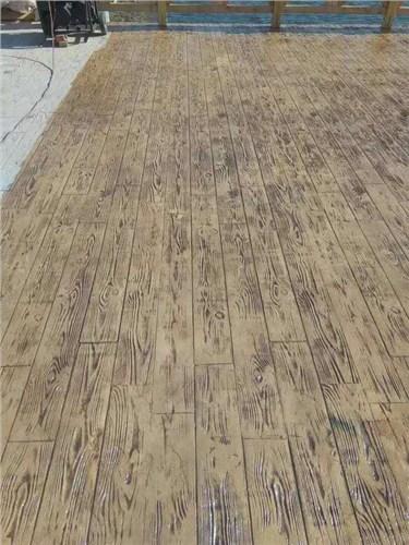 仿木纹压花地坪